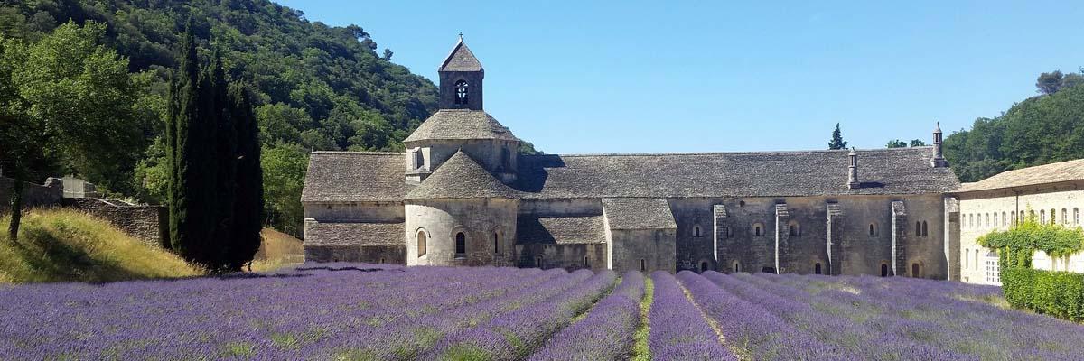 セナンク修道院とラベンダー畑(フランス/プロヴァンス地方)